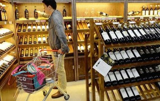 Chinese importers nervous over tariffs on US wine