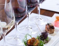 Cơn ác mộng về việc kết hợp rượu vang với thức ăn đối với các Sommeliers