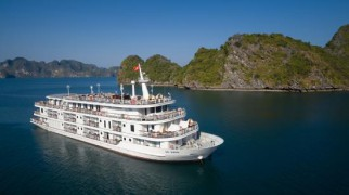 Rượu Vang hơn nửa tỷ đồng trên du thuyền Vịnh Hạ Long