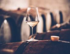 Điều gì làm cho rượu vang trắng có giá trị lâu đời?