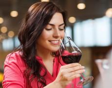 Người tiêu dùng đang mua rượu gì trong cuộc khủng hoảng COVID-19
