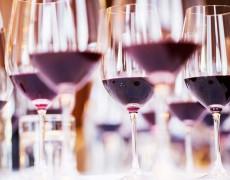 Hương thơm chính và hương thơm bậc ba của rượu vang: có khác biệt gì?