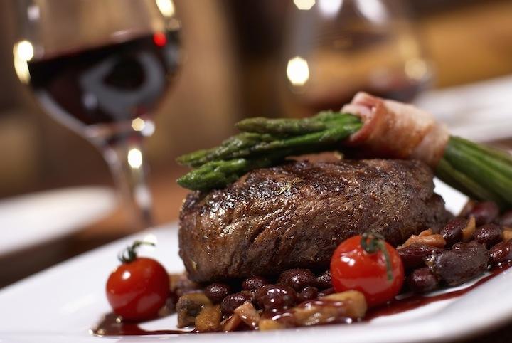 Kết quả hình ảnh cho rượu vang đỏ món ăn